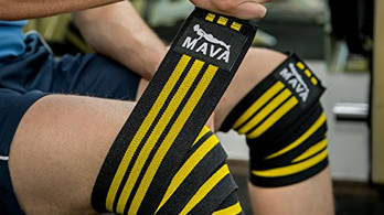 Knee Wraps vs. Knee Sleeves ... What You MUST Know Before You Lift!
