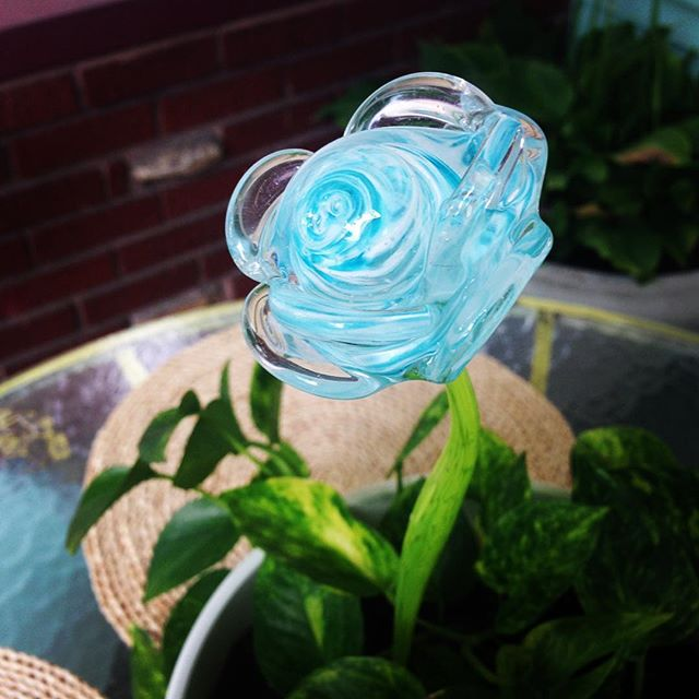 Handcrafted Glass rose in blue and white with green stem #merrittart #madbymerritt #handcraftedglass