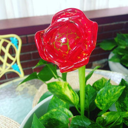 Handcrafted Glass rose in red #merrittart #madbymerritt #handcraftedglass #redrose