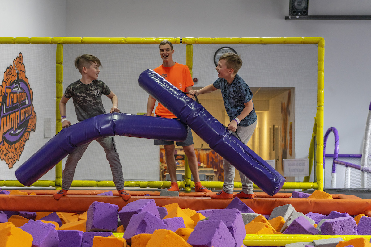 Trampolin Jump Arena Battle Beam Kopie