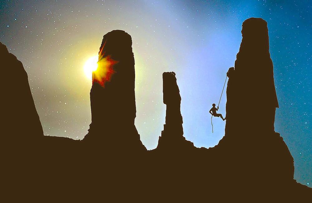 Escalade - coucher de soleil - ciel étoilé - sortir de sa zone de confort - voyager bien et mieux.