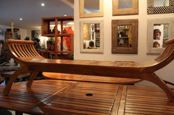 orld Famous Lanong Bench