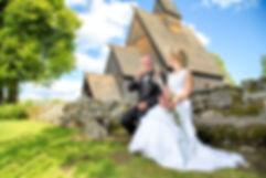 Bryllup Høyjord Stavkirke. Ønsker du fotograftil deres bryllup i Sandefjord.