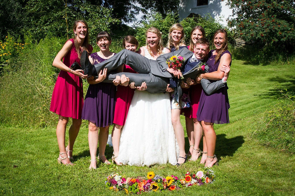 6 Bridesmaids!