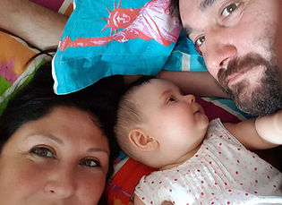Family photo of little NAA10 syndromegirl