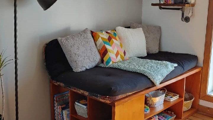 Base de lit simple bibliothèque