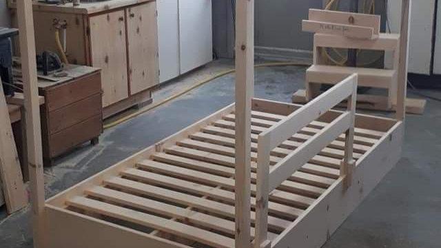 Base de lit simple maisonnette