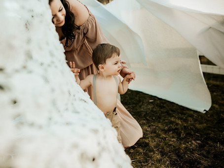 Clothesline Motherhood Sessions