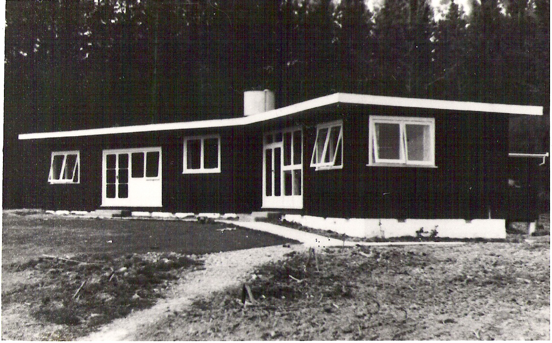 1952, Willets House