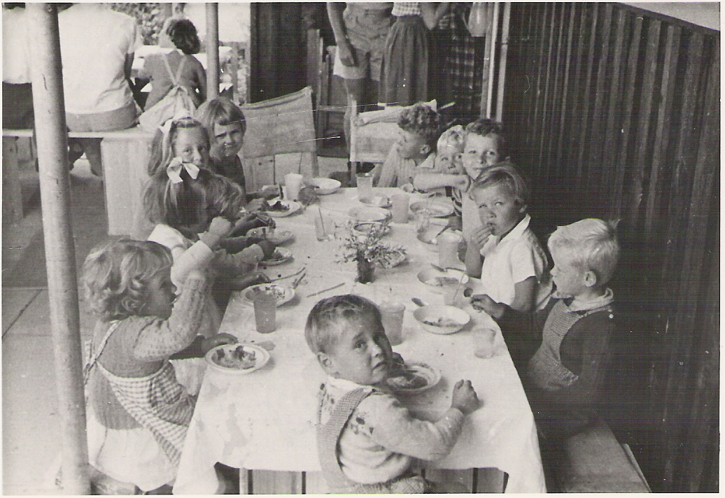 Xmas with Riverside Kids, 1950s