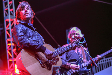 Rhett Miller in red