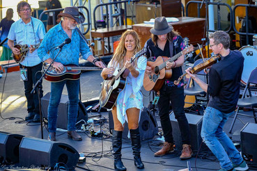 Kasey Chambers and the Fireside Disciples