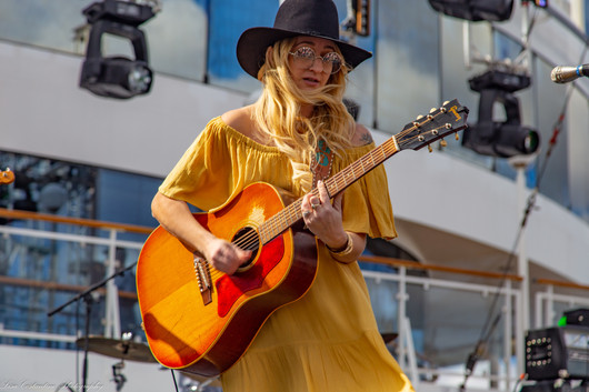 Margo Price brings the sunny weather