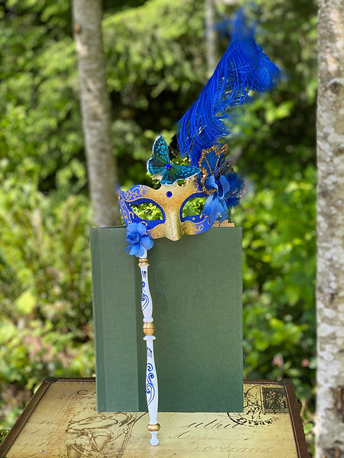 Colombina Floral Stick Mask in Blue