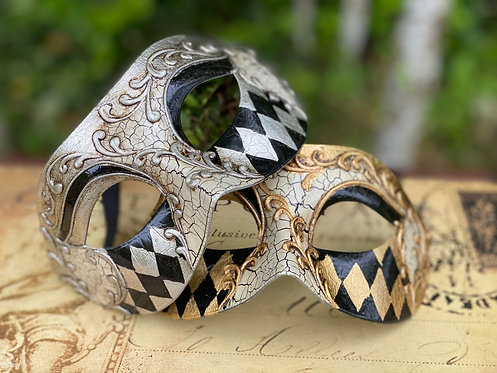 Harlequin Scroll Mask