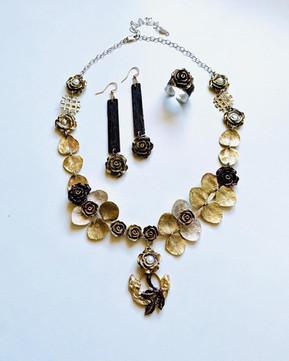 Grandiflora's Garden Jewelry Set.jpg