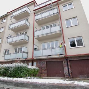 prodej velkého rodinného bytu s garáží v Michli