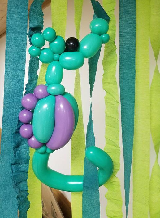 Seahorse balloon animal