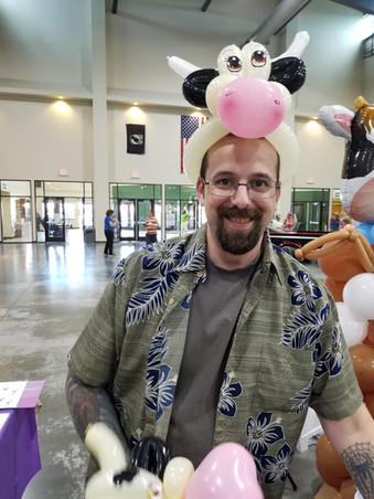 Cow balloon hat