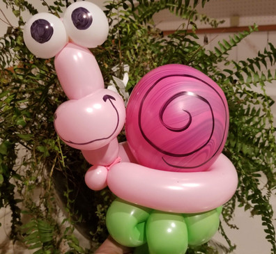 Snail balloon animal