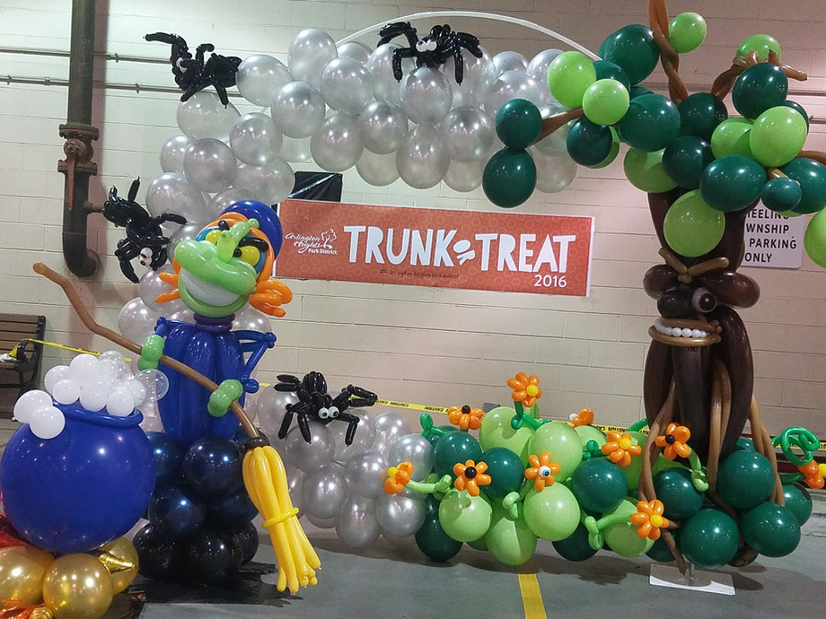 Witch and Tree balloon decor arch