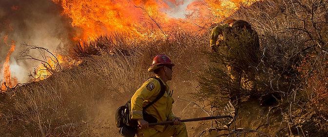 fire-Blue-Cut-chaparral-firefighters-hil