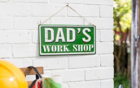 dads-work-shop-wall-sign-2-715x452_edite