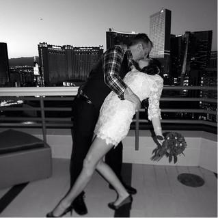 Quick Las Vegas Wedding in your Hotel Room!