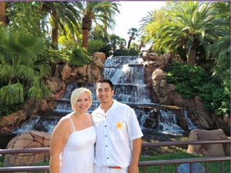 The Las Vegas Wedding Wagon is here to make your Mirage Wedding easy and affordable, without being cheap!
