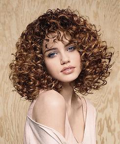 0040-vlnite-vlasy-kudrnate-vlasy.jpg