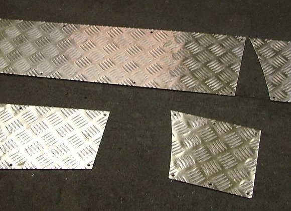 DISCOVERY 1 CHEQUER PLATE  REAR DOOR INNER