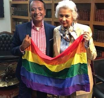 Católicos VS Sánchez Cordero por apoyar a la comunidad LGBTTTI