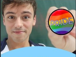 Tom Daley desafía a Rusia subiendo al podio con una insignia LGBT+