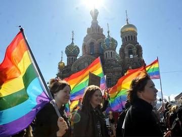 Rusos han amenazado con matar a fanáticos del fútbol (gays) que van a la Copa del Mundo.