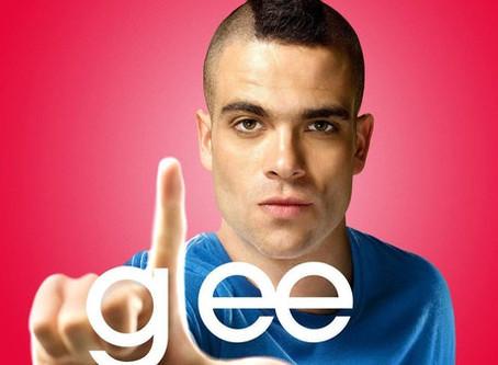 Actor de Glee es encontrado muerto semanas antes de su sentencia.