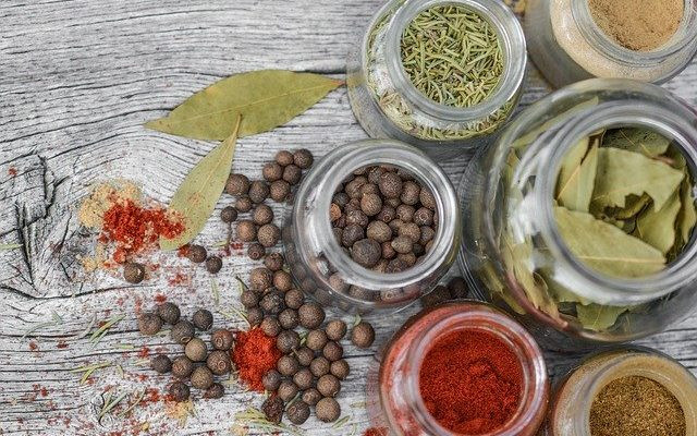 use-whole-spices-for-better-immunity-how-to-get-bullet-proof-strong-immune-system-naturally-dr-neha-rao-best-wellness-coach-in-india
