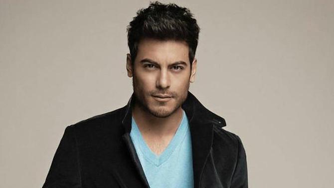 Carlos Rivera publica nuevo sencillo: 'Me Muero' (Video)