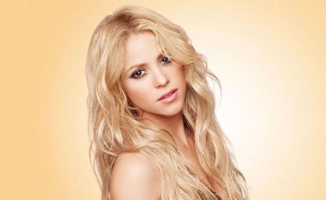 Aseguran que operación pondría en riesgo la voz de Shakira