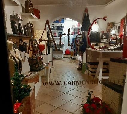 Negozio Carmen Laboratorio Artecarta a Sezze