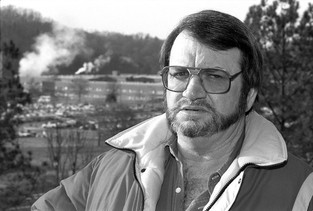 Charles Vanadore, Whistle-Blower at DOE's Oak Ridge Lab, Dies at 71