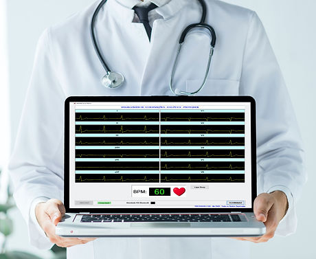 Medico%20Computador_edited.jpg