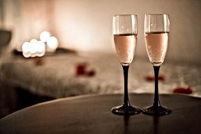 massage champagne.jpg