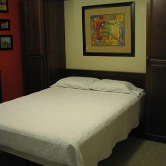 cherry queen murphy bed
