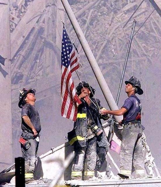 911 Flag raising by Thomas Franklin