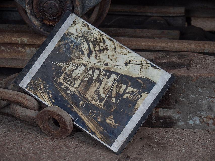 炭鉱古い写真.jpeg