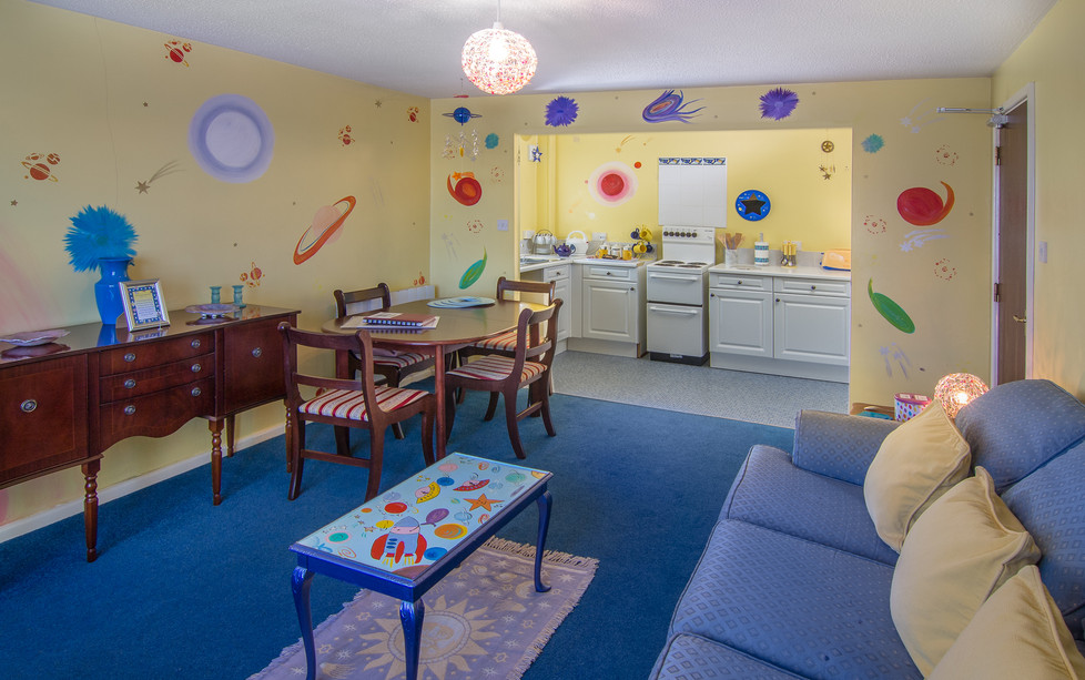 Planet Suite Lounge and Kitchen