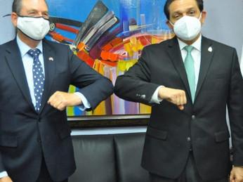 República Dominicana recibe de Israel un equipo que transforma el aire en agua potable