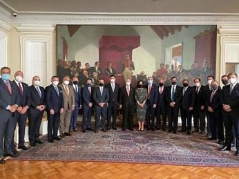 Delegación de empresarios dominicanos se reúne con Iván Duque