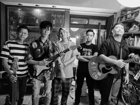 義團 A band of.