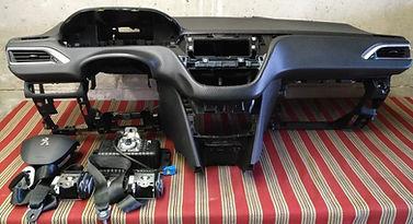 Peugeot 2008 2018  E1050.jpg